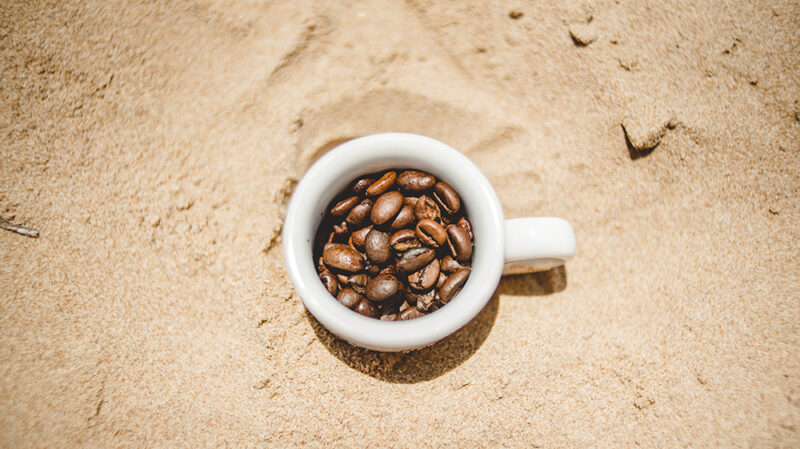 caffè in riva al mare